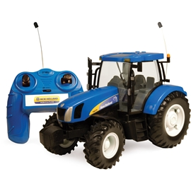 Britains Radiostyrd Traktor New Holland T6070